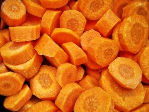Можно ли хранить вареную морковь в морозилке